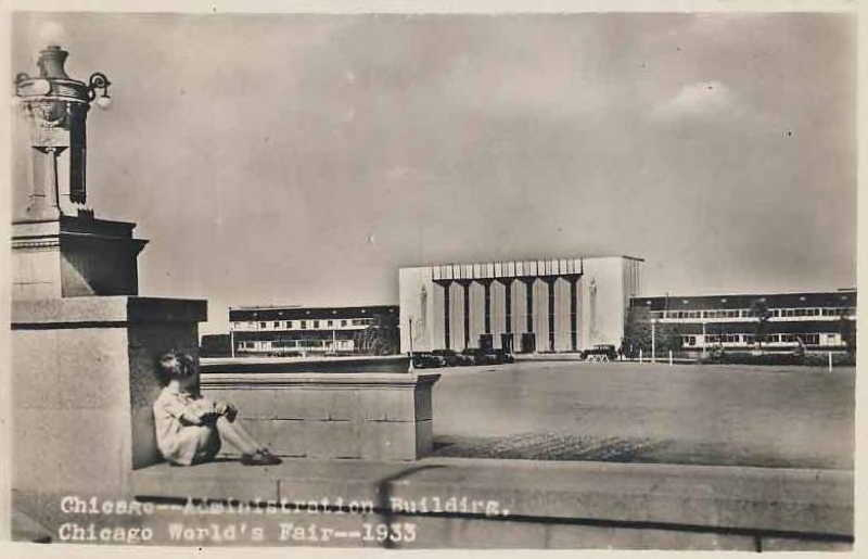 Expo Chicago 1933 - Postcard - Administration Building