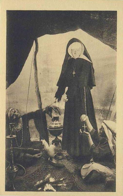 La charité des soeurs Saint Joseph au pavillon des missions catholiques -  carte postale - expo paris 1931