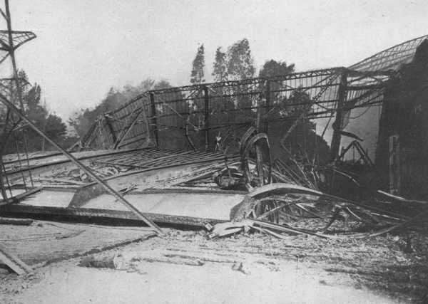 Le pont de l avenue du Solbosh qui mettait les sections anglaise et française en communication