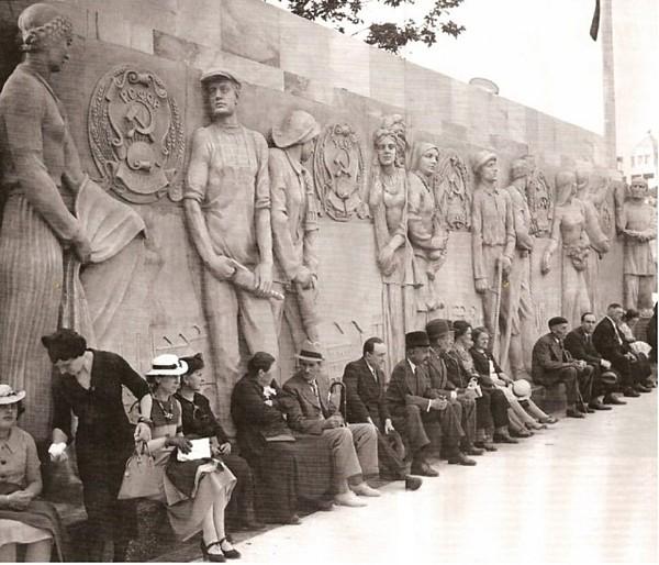 Une petite image marrante du bloc soviétique en 1937