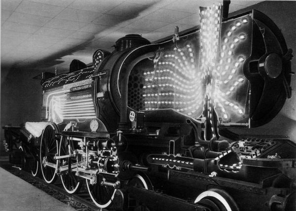 Expo Paris 1937 - locomotive 3.1102 Nord